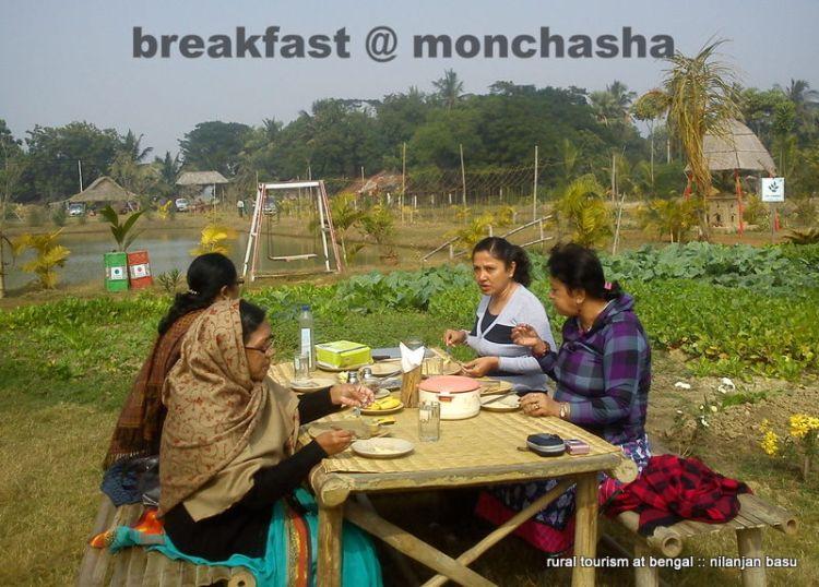 """Breakfast at """"Mon Chasha"""""""